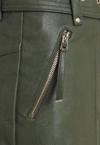 Topshop - HARDWEAR ZIP BIKER SKIRT - Áčková sukně - olive - 2