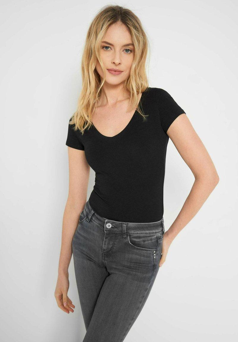 ORSAY - Basic T-shirt - schwarz