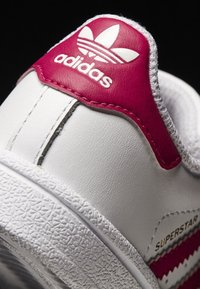 adidas Originals - SUPERSTAR CF  - Baby shoes - white/bold pink - 6
