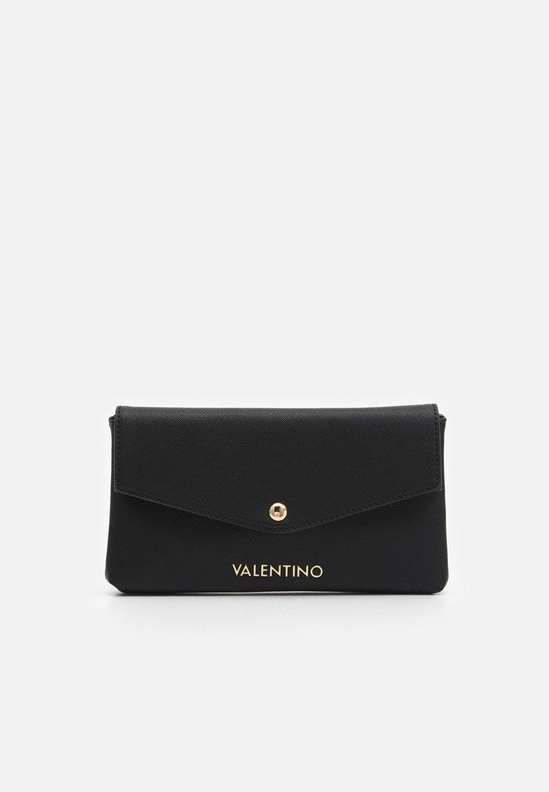Valentino by Mario Valentino - SOFT COSMETIC CASE - Wash bag - nero