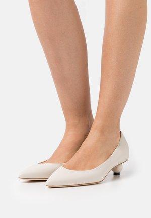 TARSO - Classic heels - avorio