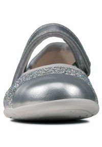 Clarks - DANCE TAP TODDLER - Ankle strap ballet pumps - silber / synthetik - 3
