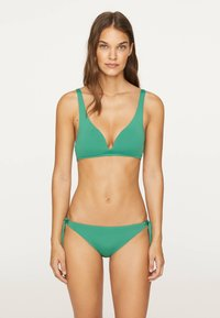 OYSHO - Bikini top - evergreen - 1
