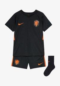 Nike Performance - NIEDERLANDE KNVB I NK BRT KIT AW SET - Sports shorts - black/safety orange - 5