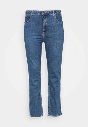 CLASSIC STRAIGHT PLU - Straight leg jeans - mid quartz