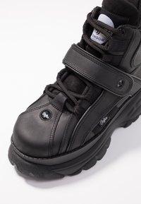Buffalo London - Höga sneakers - black - 2
