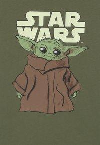 Staccato - STAR WARS THE MANDALORIAN YODA  - Long sleeved top - khaki green - 2