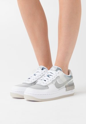 AIR FORCE 1 SHADOW - Sneakers basse - white/particle grey/grey fog/photon dust/black