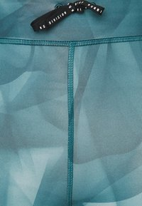Nike Performance - RUN 7/8 - Leggings - dark teal green/silver - 5