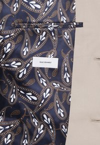 Isaac Dewhirst - THE FASHION SUIT PEAK - Suit - beige - 8