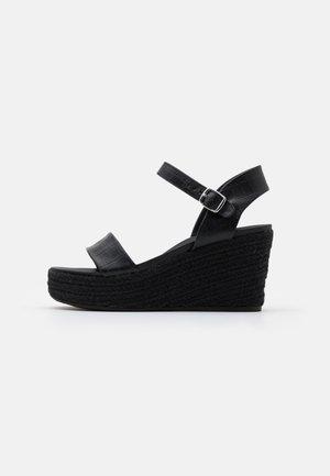 PICKLE WEDGE - Platform sandals - black
