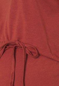 Anna Field MAMA - NURSING Jersey dress - Jersey dress - red - 2