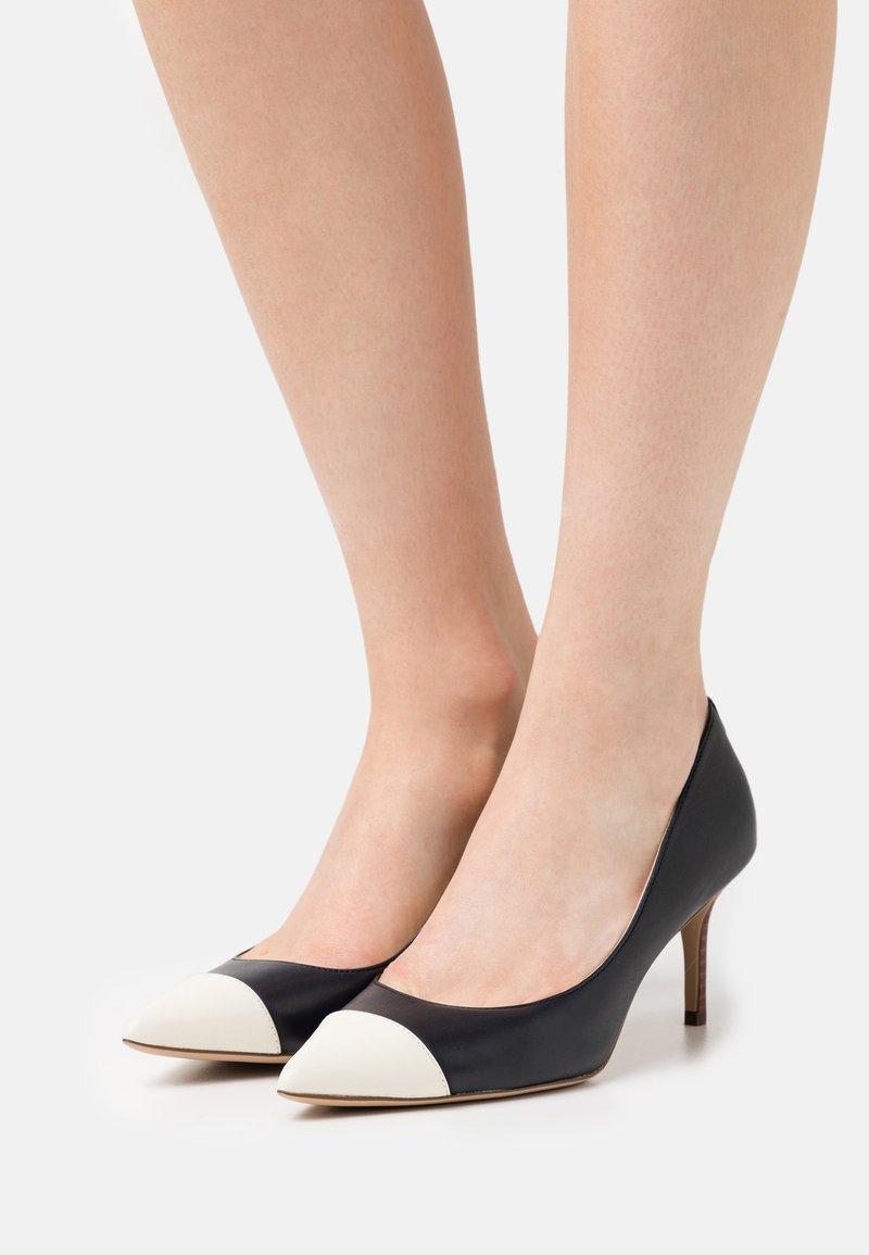 Lauren Ralph Lauren - LANETTE - Classic heels - navy/vanilla