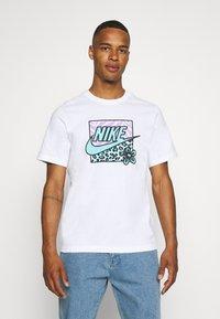 Nike Sportswear - TEE HIGH SUMMER - Print T-shirt - white - 0