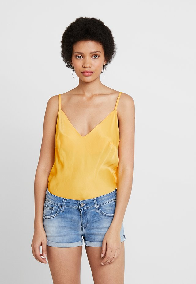 DEWI - Topper - yellow