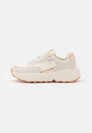 ONLSYLVIE  - Sneaker low - white