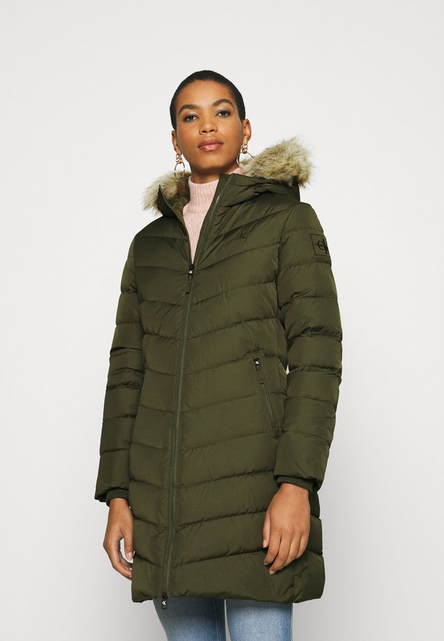 LONG FITTED PUFFER - Down coat - deep depths