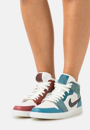 AIR JORDAN 1 MID - Sneakers alte - dark pony/saturn gold/redstone/cedar