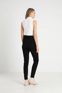 Vero Moda Tall - VMEVA  LOOSE PAPERBAG PANT  - Pantalon classique - black - 3