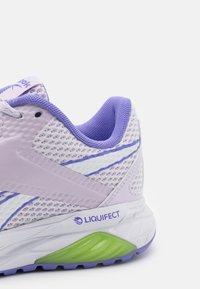 Reebok - LIQUIFECT 90 - Scarpe running neutre - luminous lilac/hyper purple/yellow flare - 5