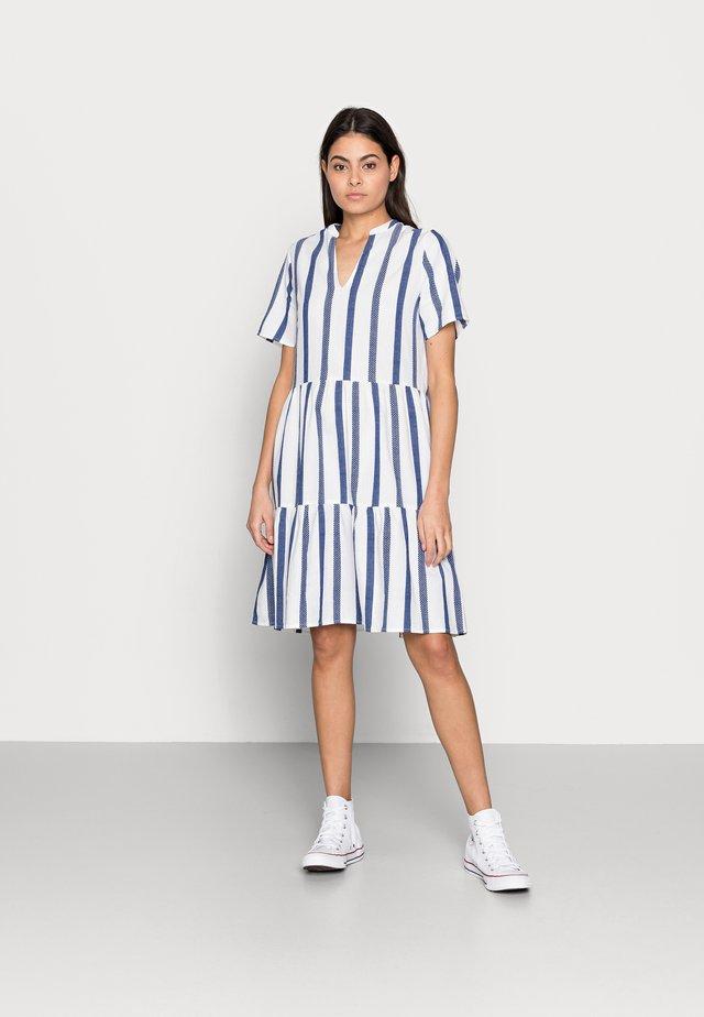 EXCLUSIVE HARIET DRESS - Denní šaty - ice