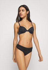 Calvin Klein Underwear - INFINITE FLEX LIGHTLY LINED DEMI - T-paitaliivit - black - 1