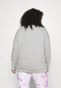 Simply Be - EBROIDERED CREW - Sweatshirt - grey marl - 2
