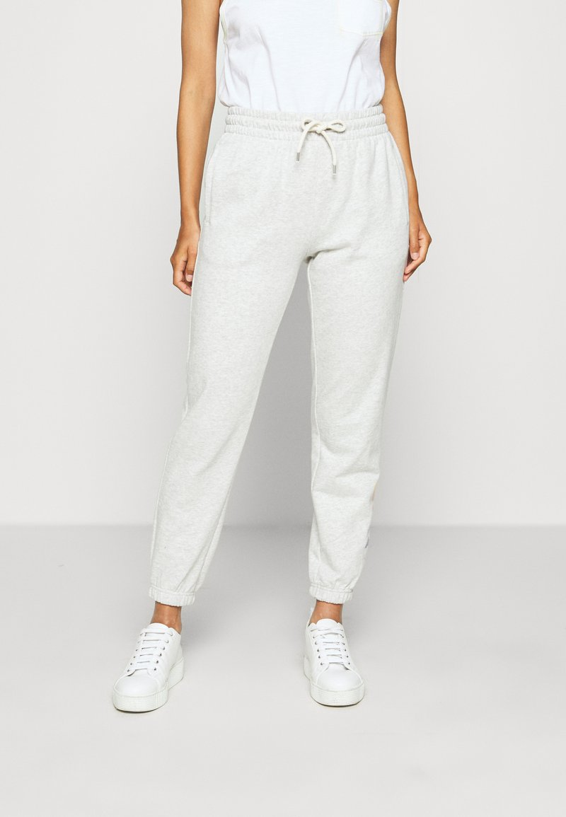GAP - OMBRE - Tracksuit bottoms - light grey