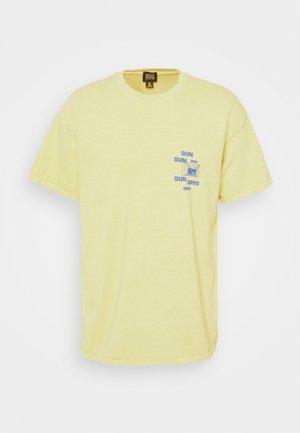 SUNDAY TEE UNISEX - Printtipaita - yellow