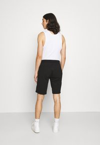 Calvin Klein - SUMMER GRAPHIC PRINT  - Shorts - black - 2