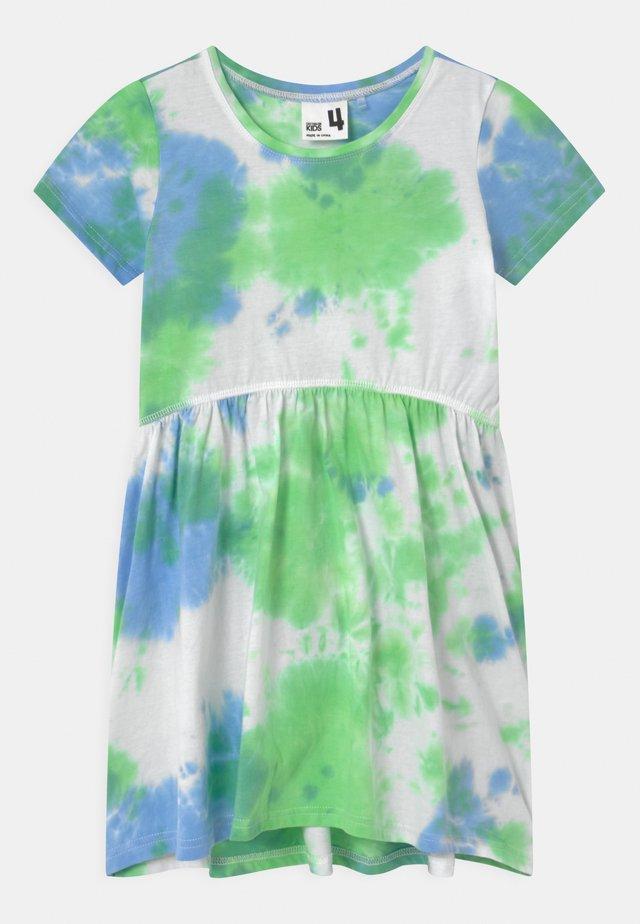 FREYA SHORT SLEEVE - Žerzejové šaty - dusk blue/spearmint