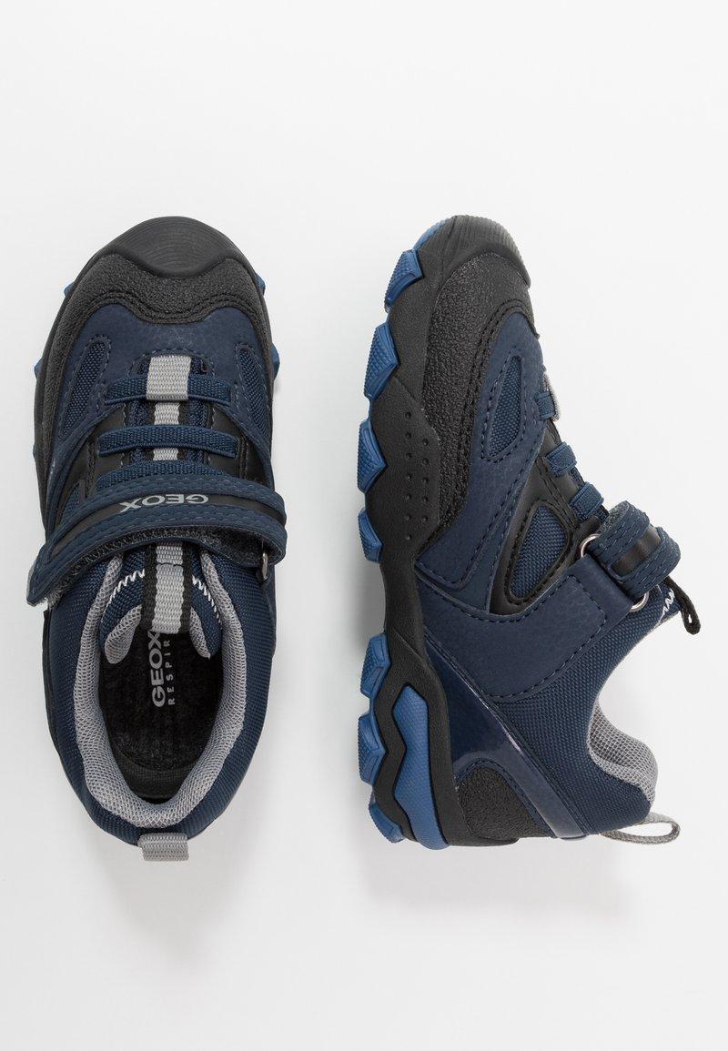 Geox - BULLER BOY  - Zapatos con cierre adhesivo - navy/grey