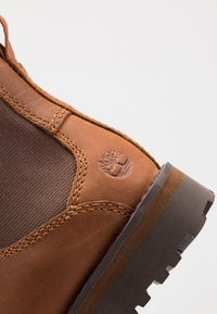 Timberland - COURMA CHELSEA - Korte laarzen - medium brown - 2
