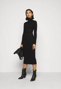 Missguided Petite - ROLL NECK  MIDI DRESS - Shift dress - black - 1