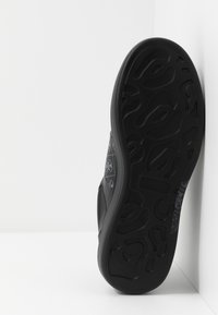 Guess - SALERNO II - Trainers - black/grey - 4
