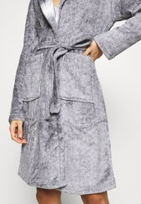Loungeable - RACOON HOODED ROBE - Dressing gown - grey - 6