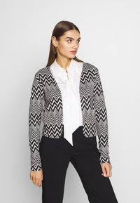 ONLY - ONLVIGGA ZIGZAG CARDIGAN JRS - Kardigan - cloud dancer/zigzag black - 0