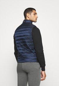 Calvin Klein - LIGHT WEIGHT SIDE LOGO VEST - Väst - blue - 2
