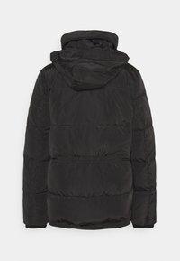 Lauren Ralph Lauren - IRIDESCENT SHORT - Down jacket - black - 2