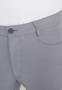 Calvin Klein Golf - GENIUS TROUSERS - Sports shorts - silver - 3