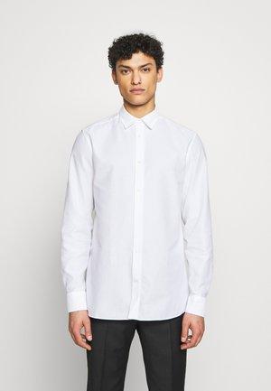 DANIEL AIRCEL - Kostymskjorta - white