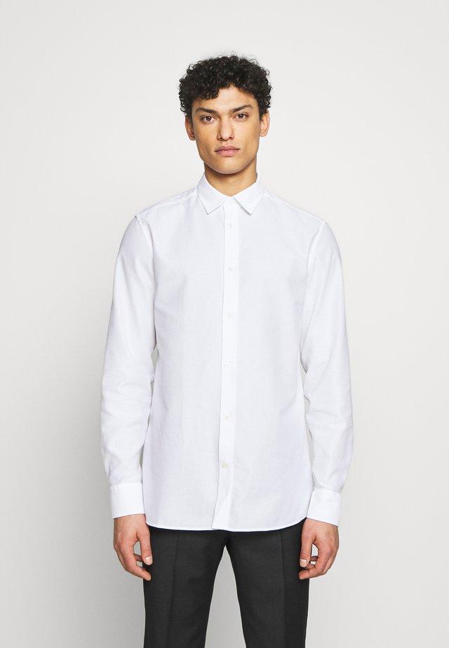 DANIEL AIRCEL - Zakelijk overhemd - white