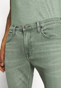 Lee - LUKE - Jeans slim fit - faded khaki - 5