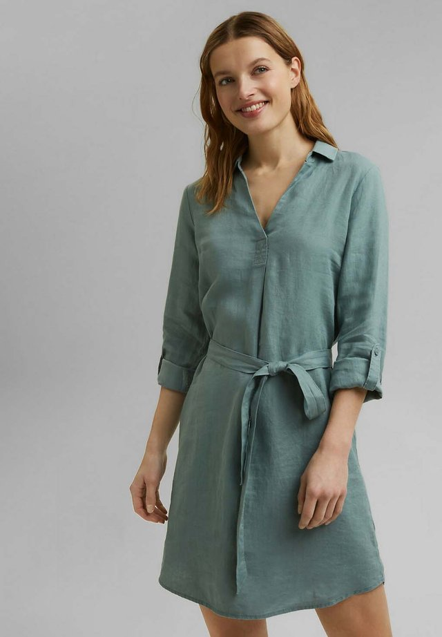MIT GÜRTEL - Shirt dress - turquoise