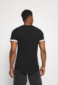 Only & Sons - ONSMATT LIFE LONGY CONTRAST TEE - Print T-shirt - black - 2