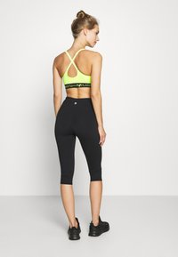 Cotton On Body - ACTIVE CORE CAPRI - 3/4 sportovní kalhoty - black - 2