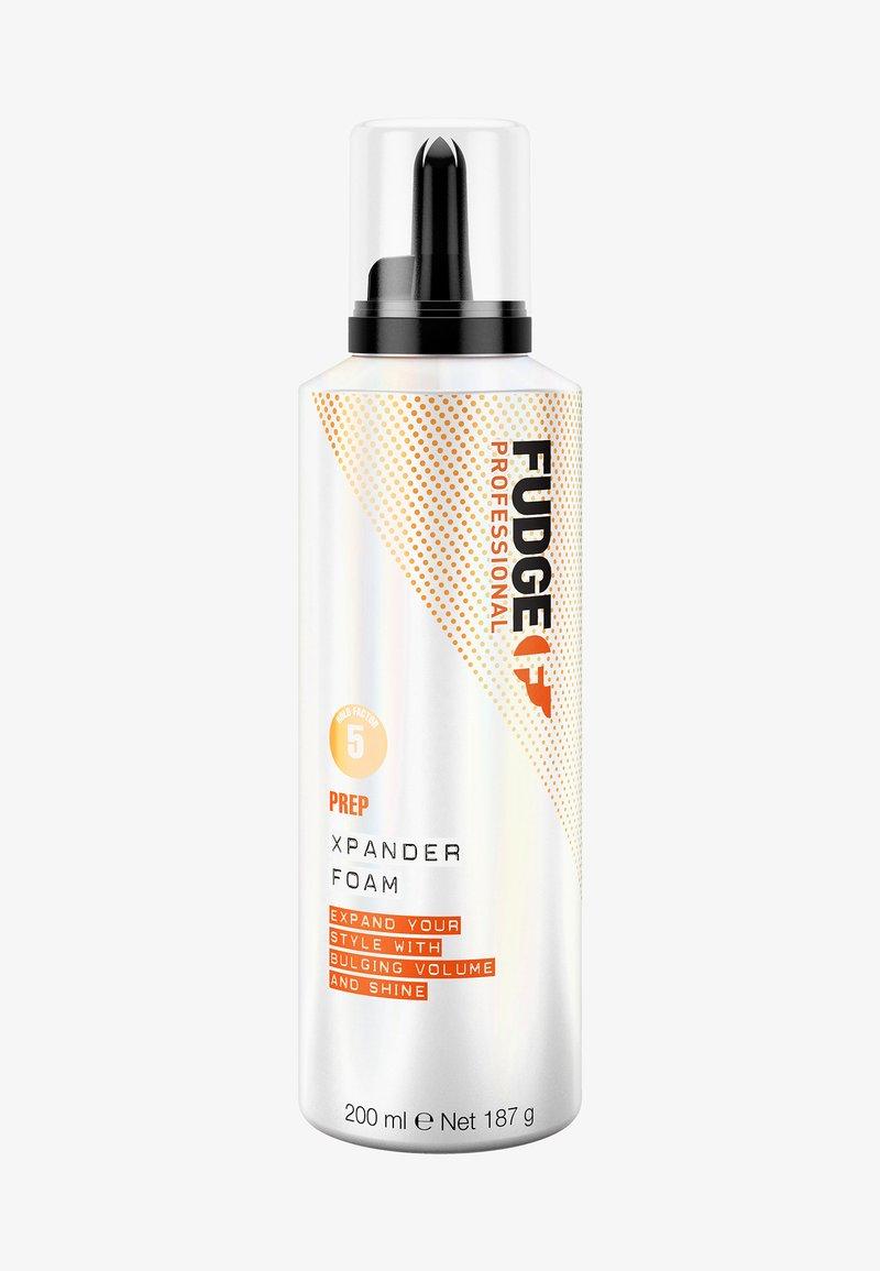 Fudge - XPANDER FOAM - Hair styling - -