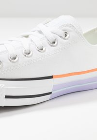 Converse - CHUCK TAYLOR ALL STAR - Trainers - white/agate blue - 2
