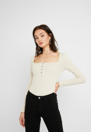 Pamela Reif x NA-KD LONG SLEEVE BUTTON DETAIL BODYSUIT - Longsleeve - beige