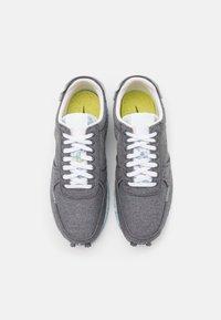 Nike Sportswear - DBREAK TYPE SE UNISEX - Matalavartiset tennarit - iron grey/barely volt/white/celestine blue - 3